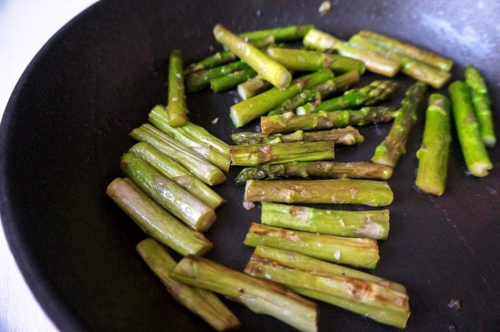 Smörstekt sparris: Vegolicious
